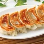 ◇当店一番人気の特製焼き餃子は是非ご賞味ください★