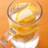レモンの香りが爽やかなレモン酎ハイ