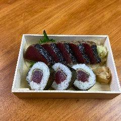 カツオたたきと巻き寿司