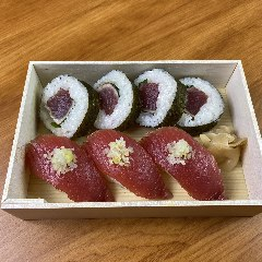 カツオ巻き寿司とにぎり寿司