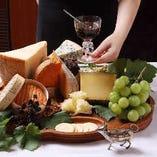 様々な種類のチーズも合わせてご用意させていただいております。