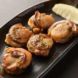 ホタテの食感と風味がたまらないホタテ塩焼きは、広島の地酒にピッタリ♪