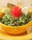 人気のタッブーラ、パセリのサラダです