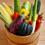 地元滋賀の近江野菜は泥つきで仕入れて調理します。