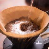 挽き立てのコーヒーでほっと一息
