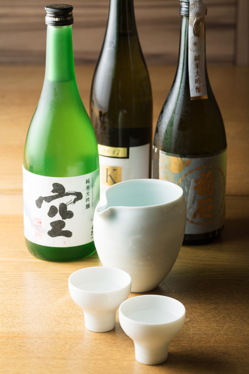 日本酒40種 グラス 500円からご用意。