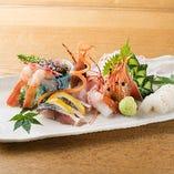 市場より毎日届く鮮魚は鮮度抜群です。刺身でも握りでも!