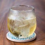 【HACHI】 蜂蜜の甘い風味がただよう大人気カクテル