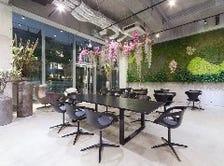 ■花や植物に囲まれたおしゃれな空間