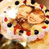 SNS映え間違いなしの写真ケーキは、サプライズにぴったりです