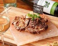 大人気!美味しい肉料理の数々!