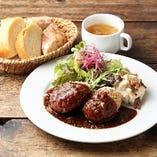 シェフ厳選旬の食材で仕立てる絶品の欧州料理をお楽しみください