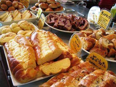 人気ブランチセット!焼き立て豊富なパンをお好きなだけぞうぞ。