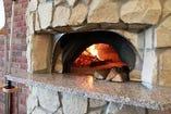 今日も美味しいピッツァを焼きますよ。