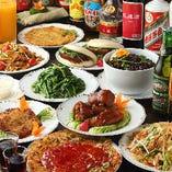大人気のオーダー式食べ放題コースは、湯気の立ち上がるお料理の熱気を感じながら、料理長渾身の台湾屋台料理をお召し上がりいただけます
