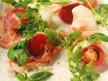 富山産 弾ける旨み!あめトマト モッツァレラチーズ 切りたてパルマ産生ハムのサラダ