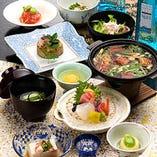 旬の食材をふんだんに利用した料理をご堪能ください。