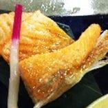 鮭ハラス焼ランチ(ごはん・お椀・香の物・小鉢)