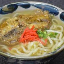 沖縄料理の定番『ソーキそば』