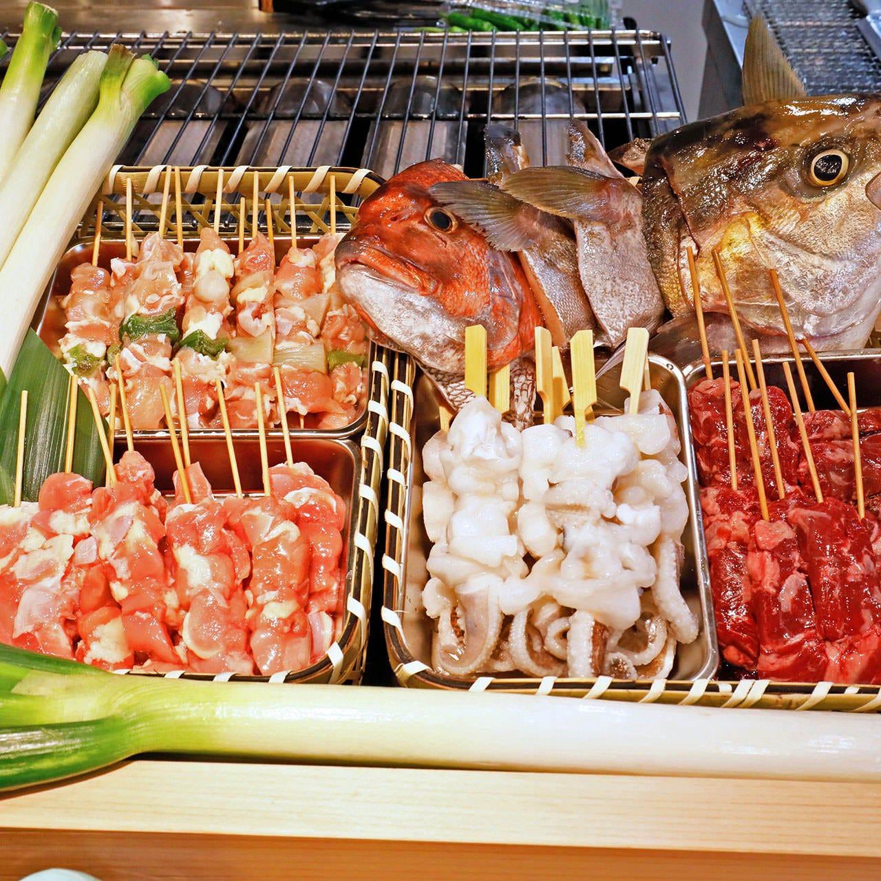 海鮮だけでなく、炉端焼、串カツも充実!