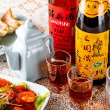 定番の紹興酒やビールをはじめとする中華料理に合うお酒も充実