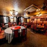2階 円卓テーブル【8名様×6卓】お得な宴会コースはこちらへご案内します