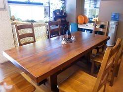 6名用テーブル席を完備しております。