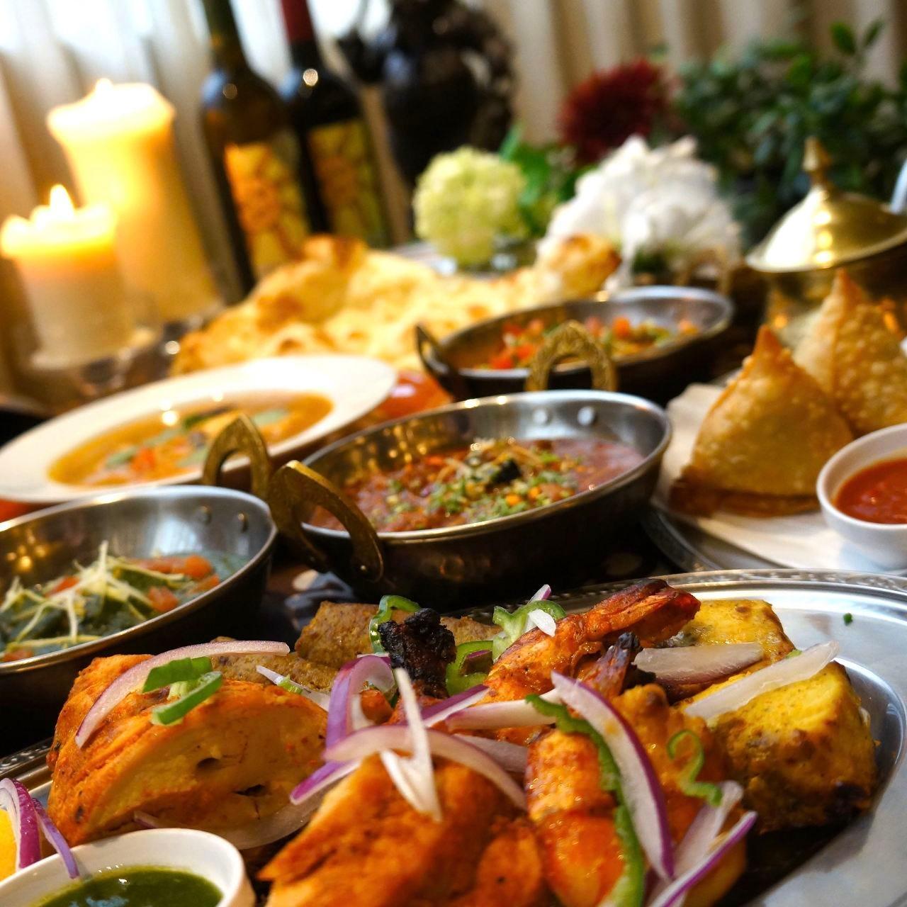 贅を尽くしたインド宮廷料理の数々をお楽しみください。