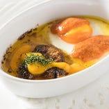 フランス産フォワグラと卵のココット焼き