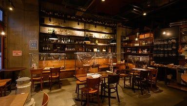 炭焼ワイン酒場 Sante(サンテ)  店内の画像