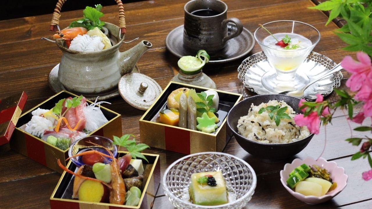 ◆三段弁当 3,500円(風呂+個室)