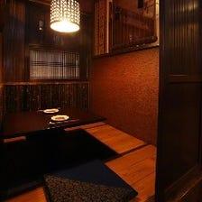 落ち着いた和の空間の掘りごたつ個室