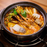 【自慢のスンドゥブ】ピリ辛&熱々の本格韓国鍋♪