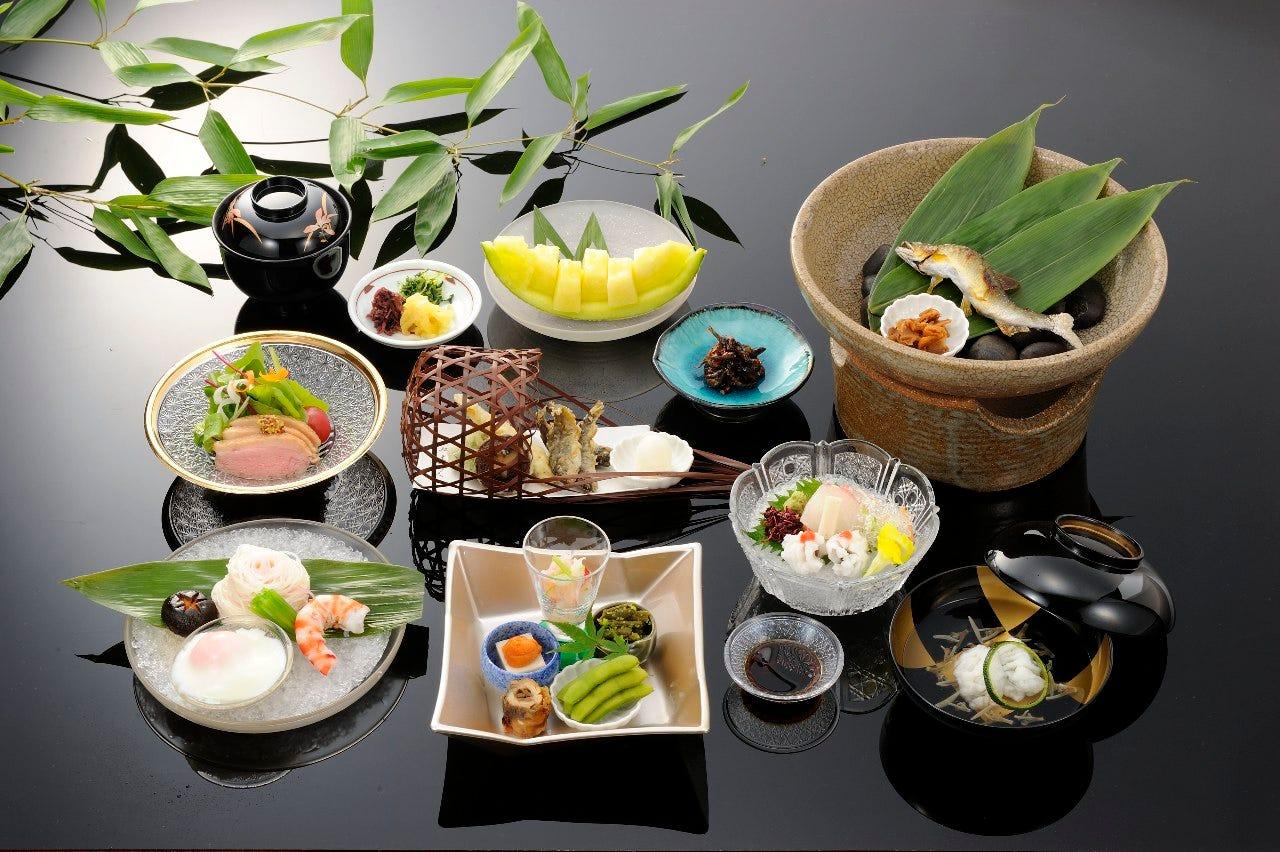納涼川床料理 11,000円(税込)