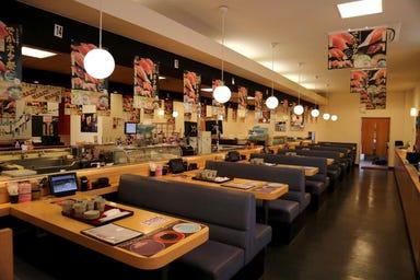 本格グルメ系回転寿司 海都 出雲ドーム店 店内の画像
