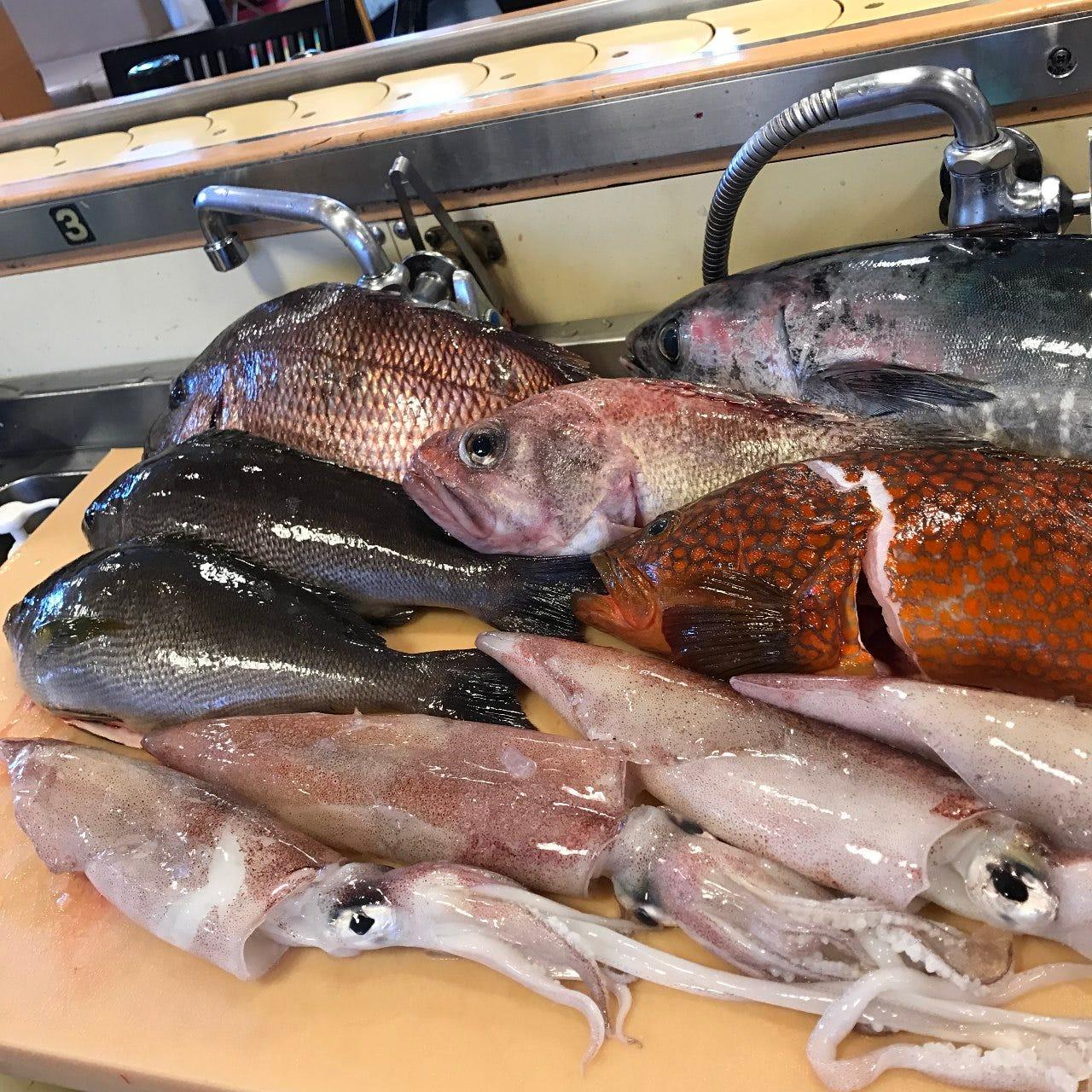 当店では地元大社漁港より、鮮度抜群の鮮魚を入荷しております。