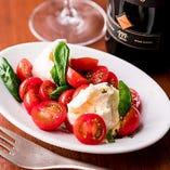 プチトマトとモッツァレラチーズのカプレーゼ