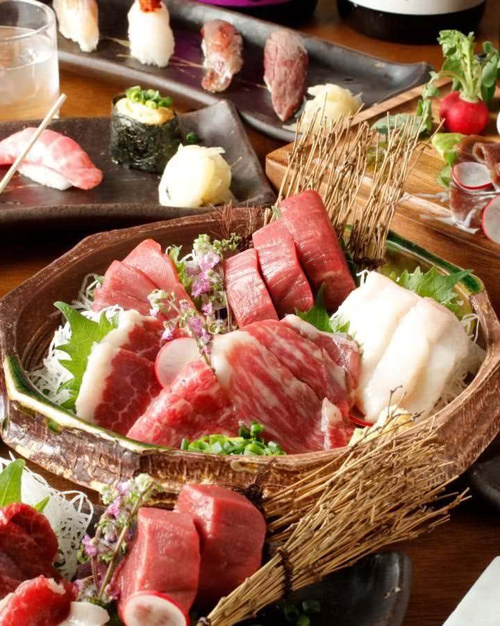 肉寿司、肉刺し専門店!