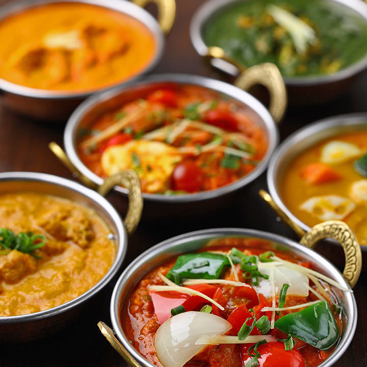 豊富な美味しさ!24種のインドカレー