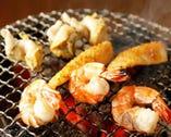 ぷりぷりの新鮮な海鮮ものも必食! 備長炭で旨味を閉じ込めます