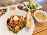 海老と夏野菜の生パスタ  マスカルポーネチーズ添え