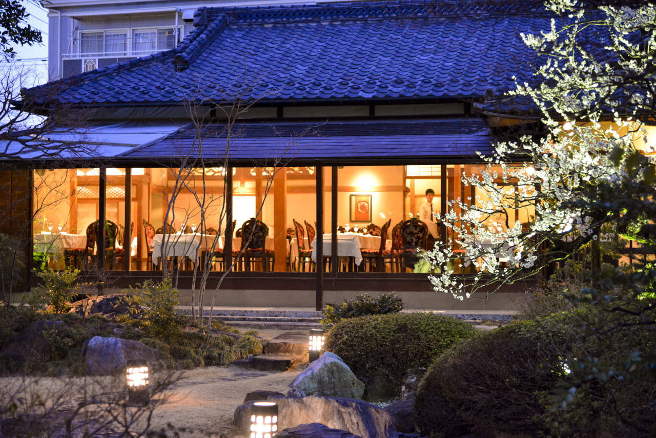 日本家屋と江戸時代建造の蔵