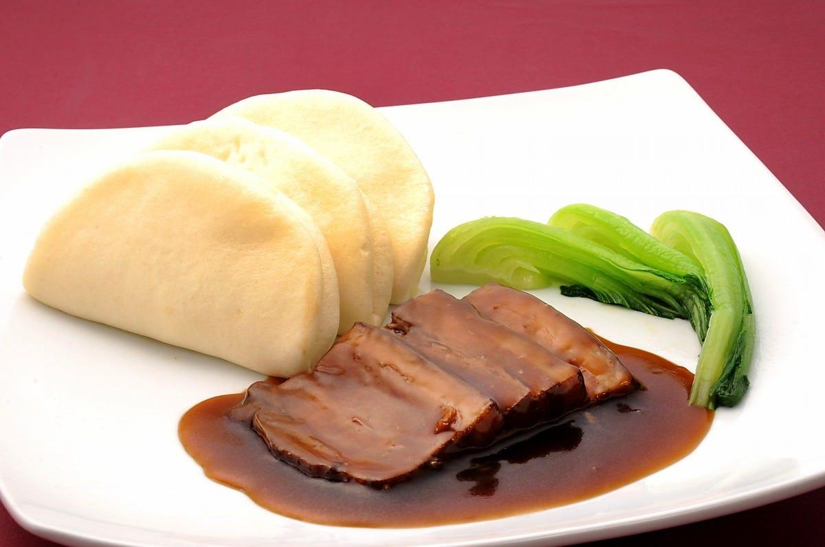東坡肉(トンポーロー) 蒸しパン付 1,540円(税込)