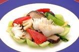 青菜と烏賊(イカ)の塩炒め にんにく風味