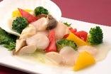帆立と季節野菜の塩炒め