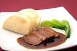 東坡肉(トンポーロー)蒸しパン付