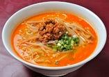 坦々麺 (小鉢付き)