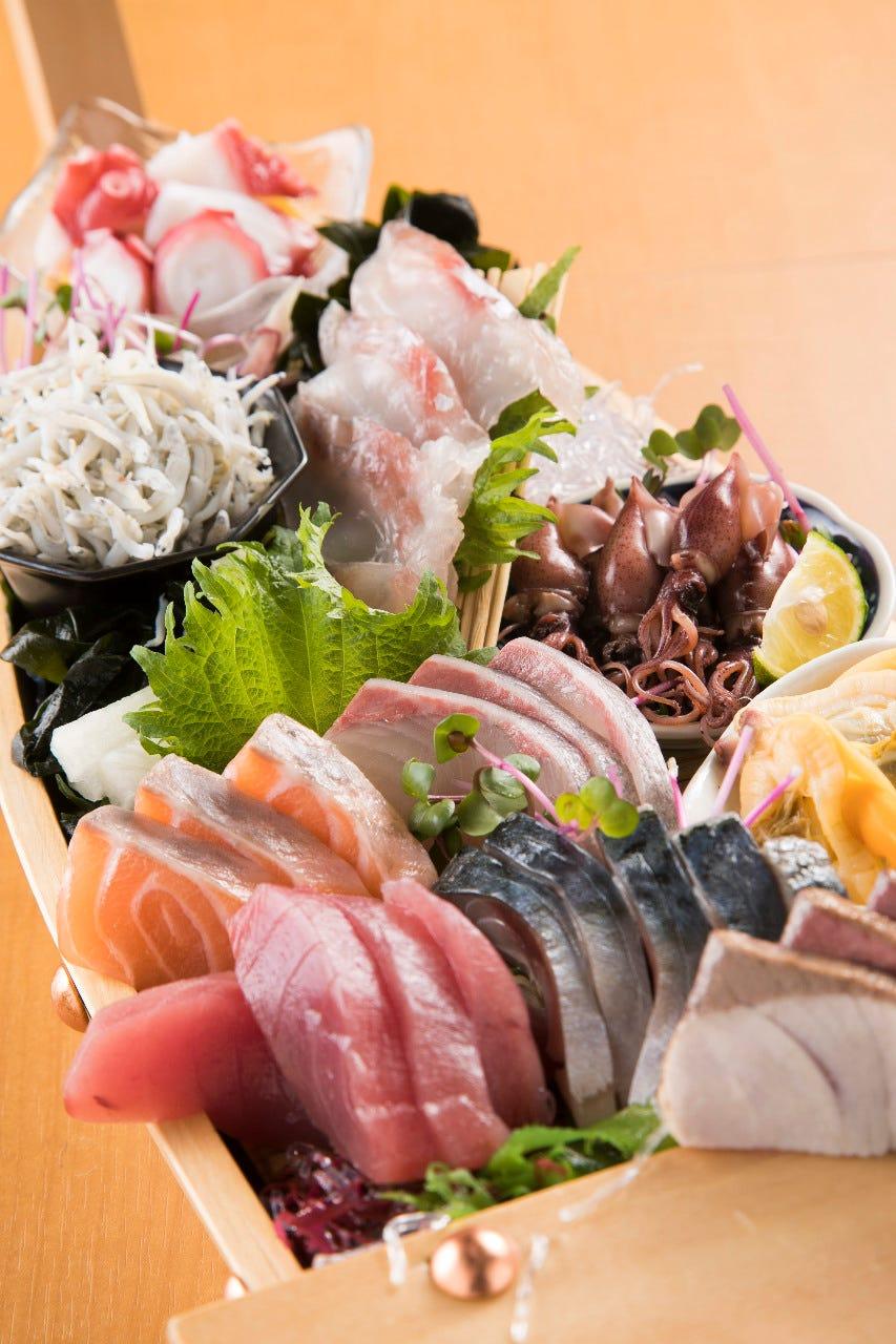 刺身炭焼き…魚介は素材自慢の一品