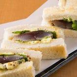 店主イチオシ「サバサンド」!土佐清水の新鮮な鯖を使っています。