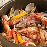 色々な海鮮を使った和洋折衷な創作料理も♪